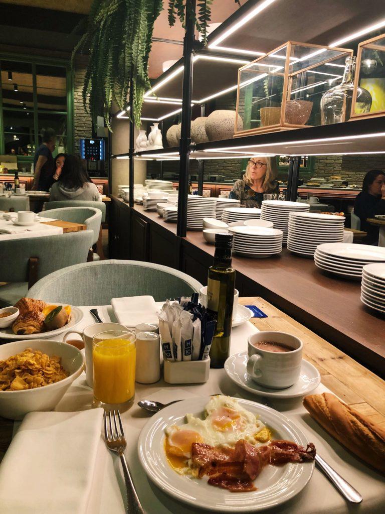 petit déjeuner hotel h10 marina barcelona