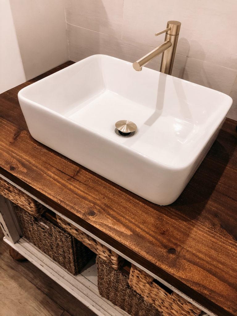 robinet dore salle de bain